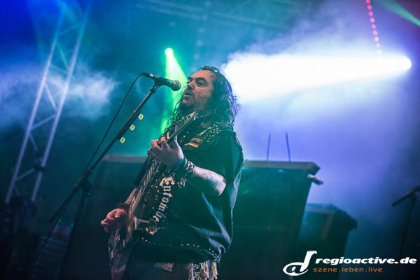 Metalbrett - Fotos: Soulfly live beim Traffic Jam Open Air 2015 in Dieburg