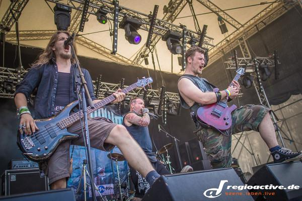 Metalcore-Mittag - Fotos: Seraphim Falls beim Traffic Jam Open Air 2015 in Dieburg
