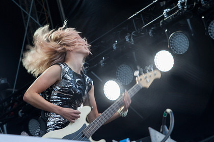 Mit Power - Fotos: The Subways live bei DAS FEST 2015 in Karlsruhe